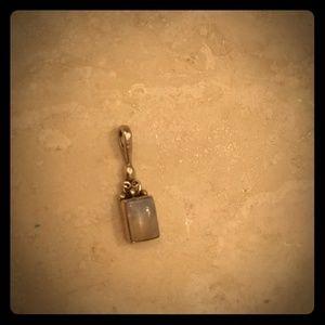 Jewelry - Moonstone pendant necklace